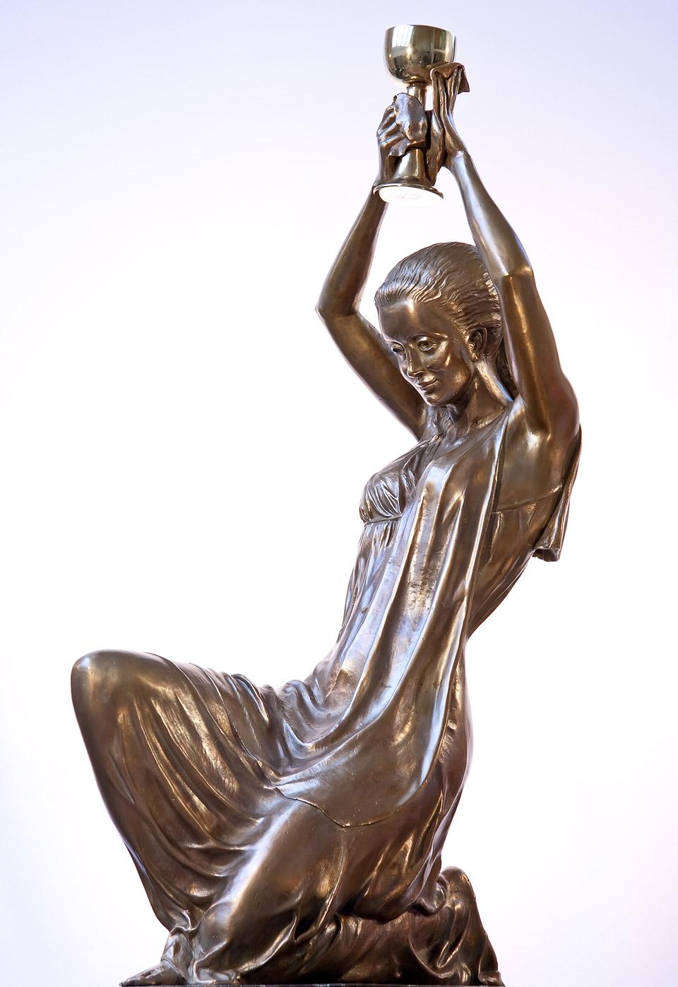 Svätá Barbora – bronzová plastika